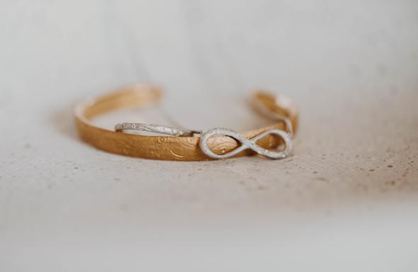 Fair Trade Gold, lebendig, lebendiger Schmuck, Armreif, Schmuck mit Nachhaltigkeit, nachhaltig, achtsam,