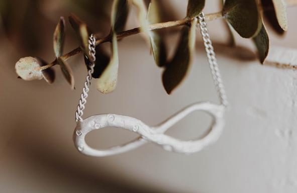 Fair Trade Gold, lebendig, lebendiger Schmuck, Armreif, Schmuck mit Nachhaltigkeit, nachhaltig, achtsam, Halskette,