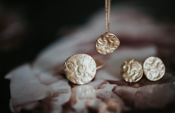 FairTrade Trauringe Nachltige trauringe Roségold Gelbgold Weißgold lebendige Trauringe, Verlobungsring, besonderer Ring Zarter Ring, fine jewelery,