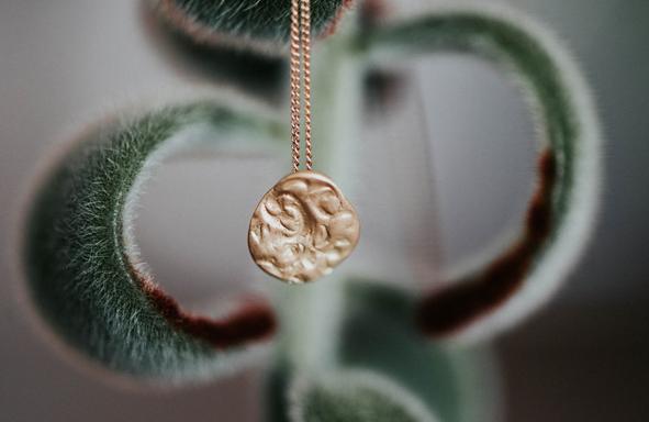 Fairtrade Gold, grüngold, Halsschmuck, Halskette, Amulett, schöner Schmuck,