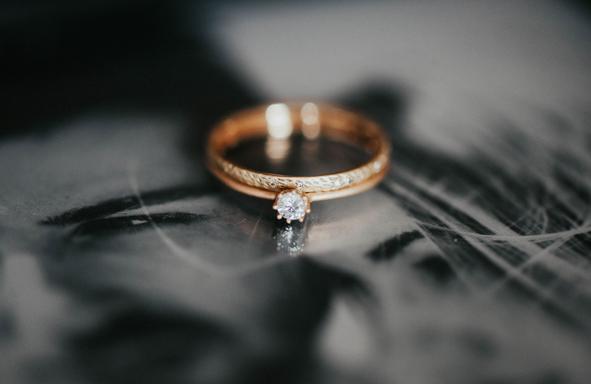 Fair Trade Trauring, Verlobungsring, lebendige Trauringe, Weddingring, Greengold, Grüngold, Handgearbeitete Trauringe, Handwerk, Designringe, Schmuckdesign,