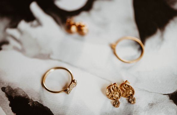 Ohrstecker, zarte Ohrstecker, fairtrade braut, Hochzeit,Goldschmiede, handarbeit, handgefertigt,
