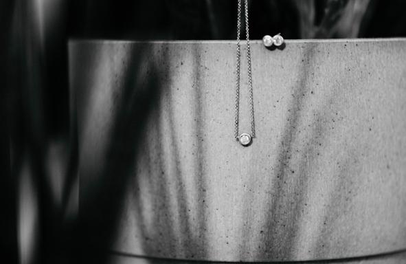 Goldschmiede, handarbeit, handgefertigt, 0,1ct Kette, Brillantkette, Brillanthänger, Hochzeitsschmuck, Schmuckgeschenk, greenwedding, grüngold, ökogold, fairtrade gold, fairtrade,